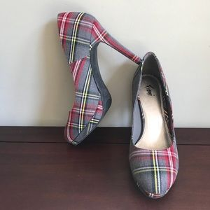 Fioni Plaid Platform Pump Heels